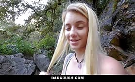 Wycieczka do lasu z córką nowej żony