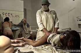 Drastyczne sceny w przerażającym psychiatryku