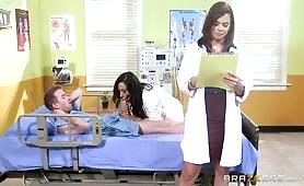 Pani doktor ostro wzięła się za dużą pałę pacjenta