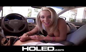 Blondi błaga żeby ją zerżnąć w dupkę