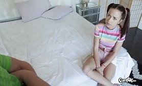 Sex korepetycje dla 10-anstolatki - Paisley Rae