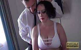 Udaje uczennicę, więc dostała srogą lekcję - Curvy Gal