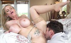 Sex randka z dojrzałą kocicą